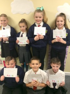 Kingsleigh children with certificates